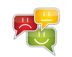 Chatregeln für Kinder - Bunte Sprechblasen mit Gesichtern